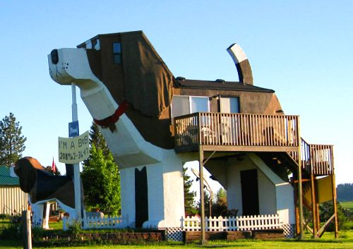 Dog Bark Park Inn, Cottonwood Idaho