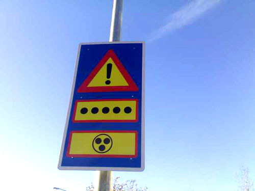 funny-traffic-signs-photo-street-cc.jpg