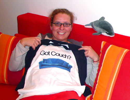 Got Couch Surfing Tee-Shirt Photo