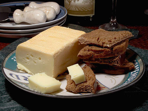 Photo of limburger cheese on bread
