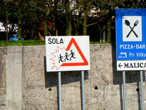 photo-street-traffic-signs-funny-cc.jpg